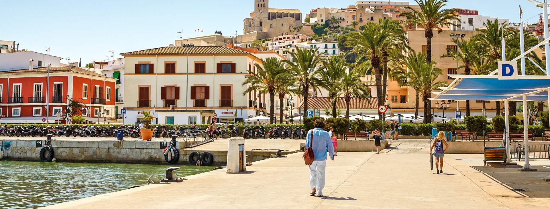 Tjäreborgilta voit varata matkan myös Ibizan kaupunkiin, Espanjaan