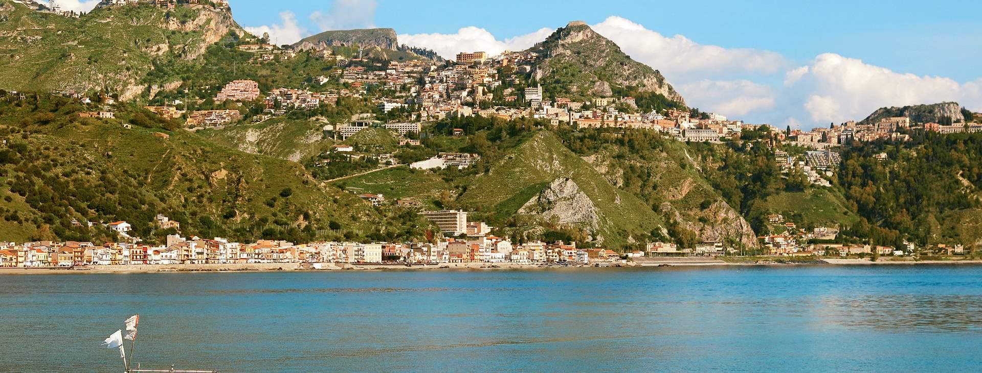 Lähde Giardini-Naxokseen, Sisiliaan, Italiaan