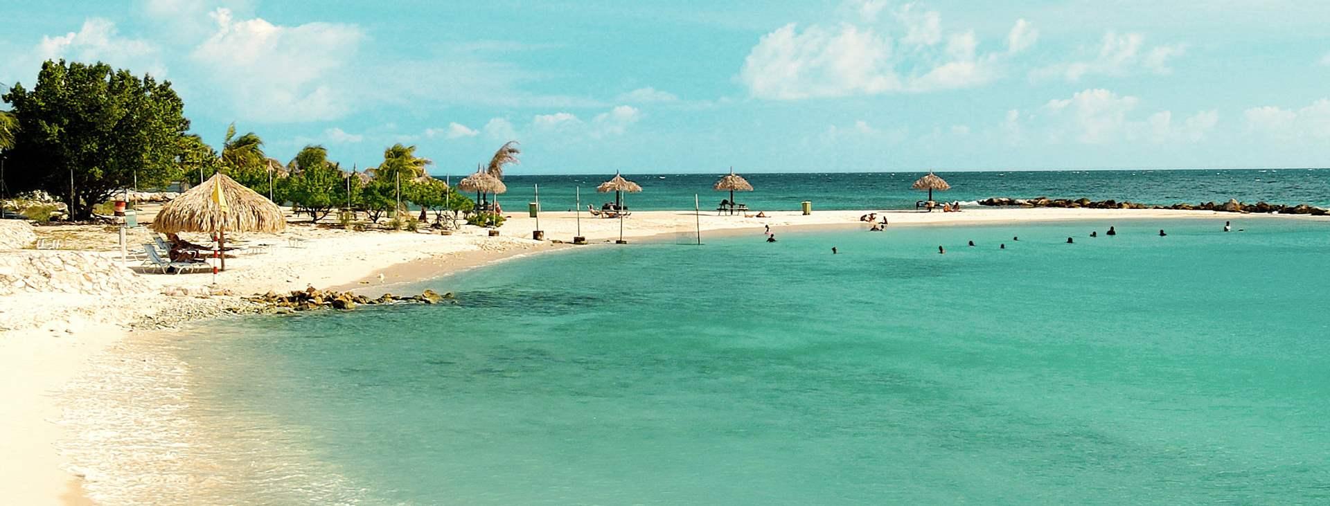 Curaçao on Karibian rytmejä ja valkoisena hohtavia rantoja