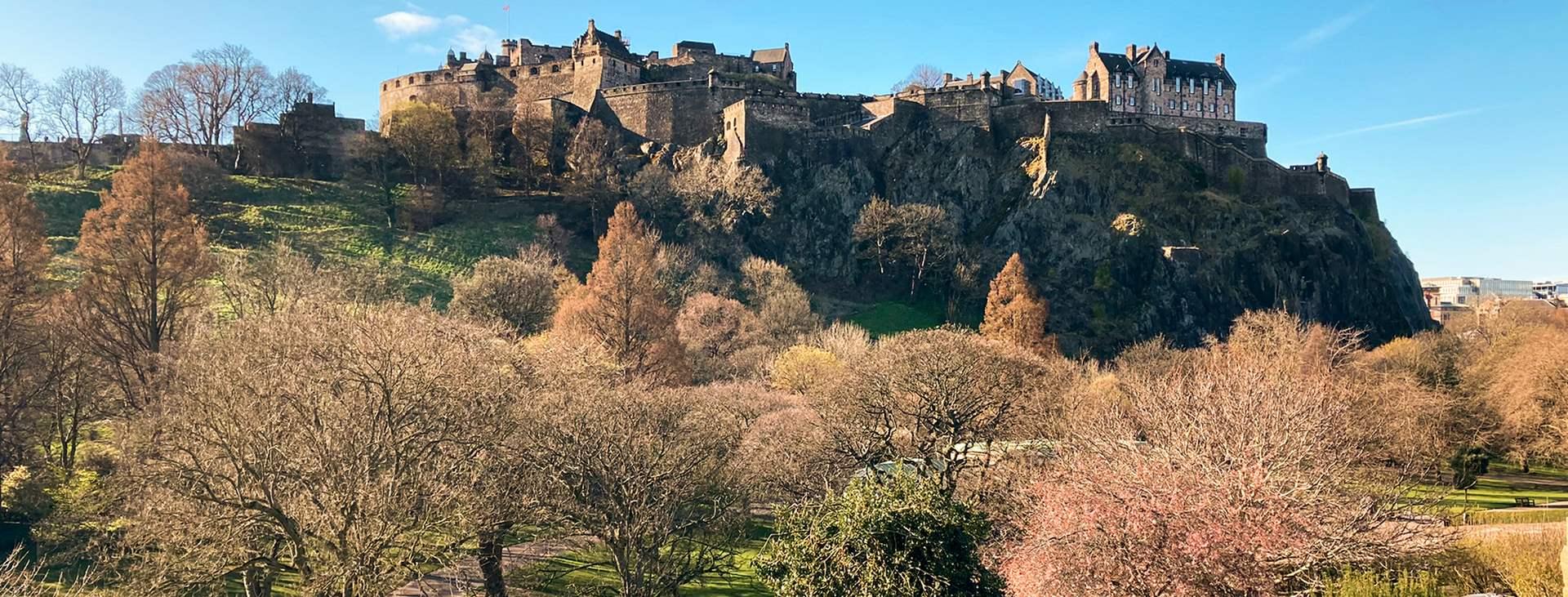 Lähde nauttimaan Skotlannin ylämaiden maisemista! Varaa matkasi Edinburghiin Tjäreborgilta.