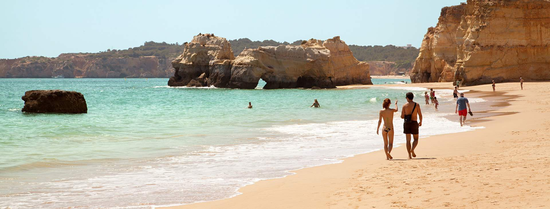Matkoja myös Praia da Rochaan, Portugaliin