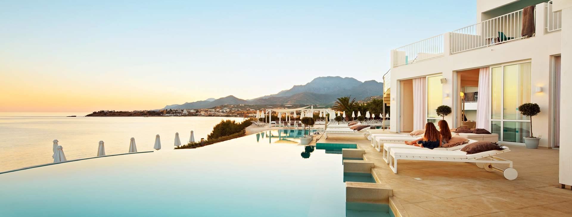 Varaa All Inclusive -hotelli lapsiystävällisessä Makrigioloksessa, Kreetalla