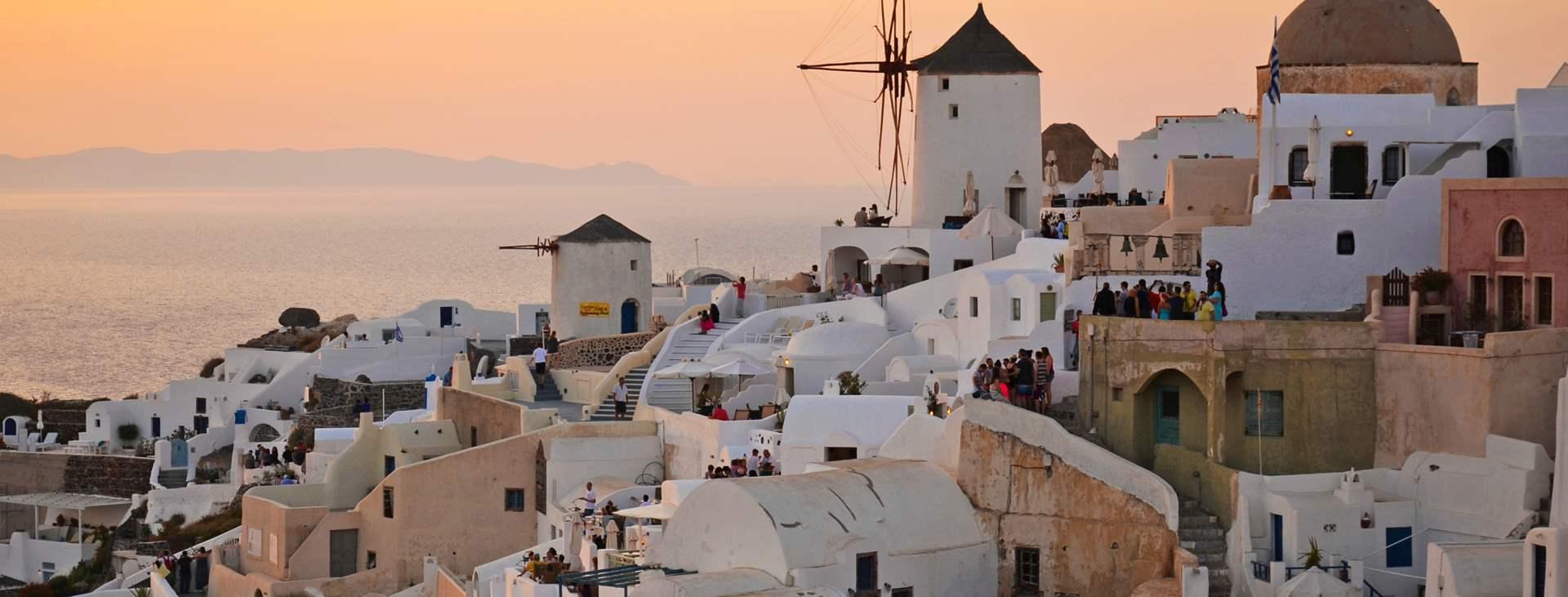 Matkoja myös Oiaan, Santorinille, Kreikkaan