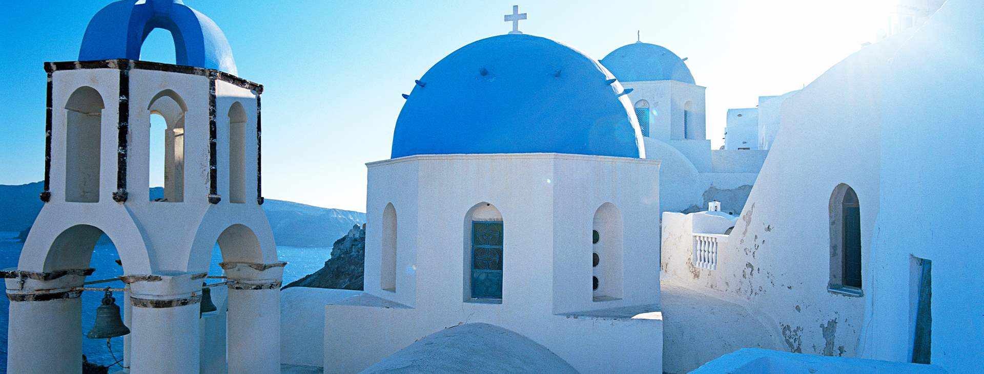 Sinivalkoinen Thira Santorinilla, Kreikassa