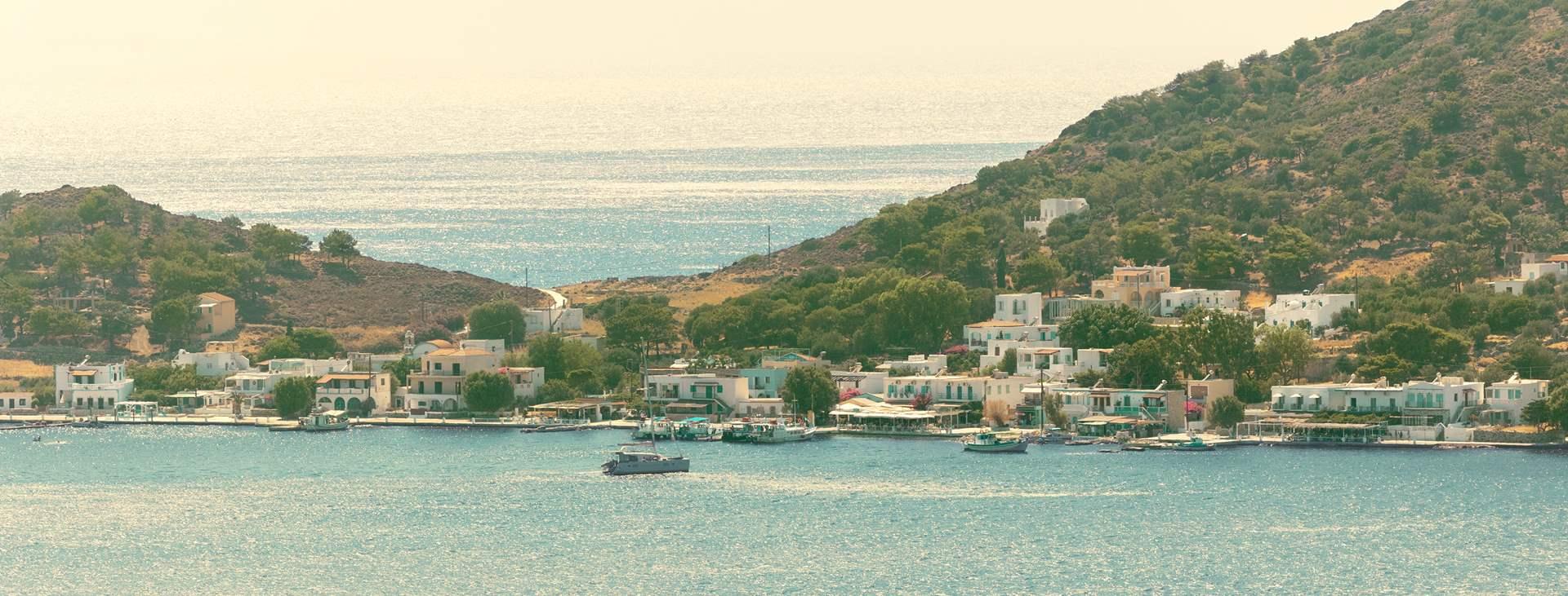 Rauhallinen Telendos - saari Kreikassa, Kalymnosta vastapäätä
