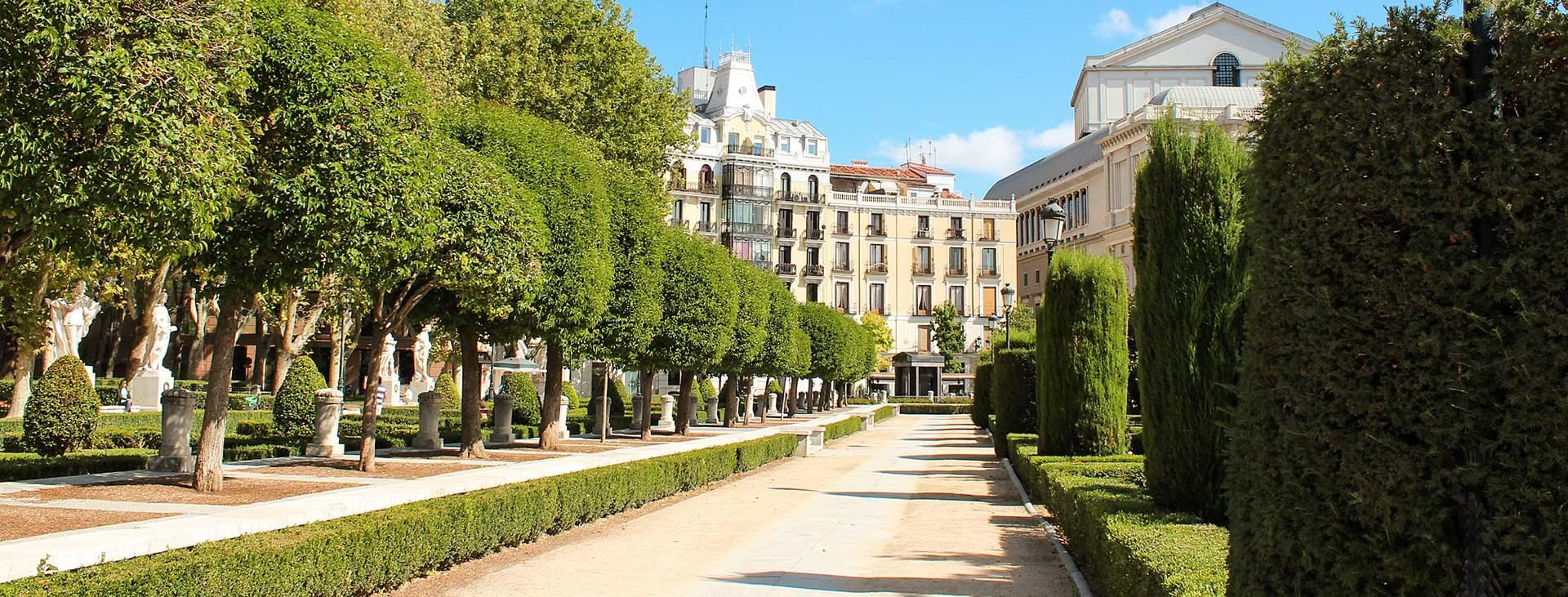 Lähde kokemaan suurkaupungin syke Madridiin, Espanjaan