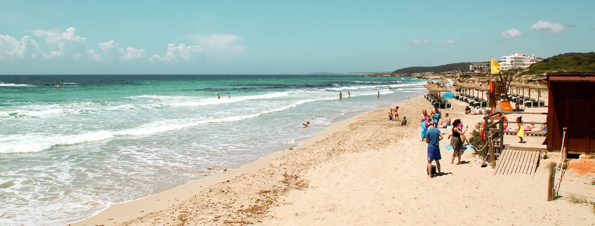 Santo Tomasista on hyvät mahdollisuudet tehdä retkiä muualle Menorcalle