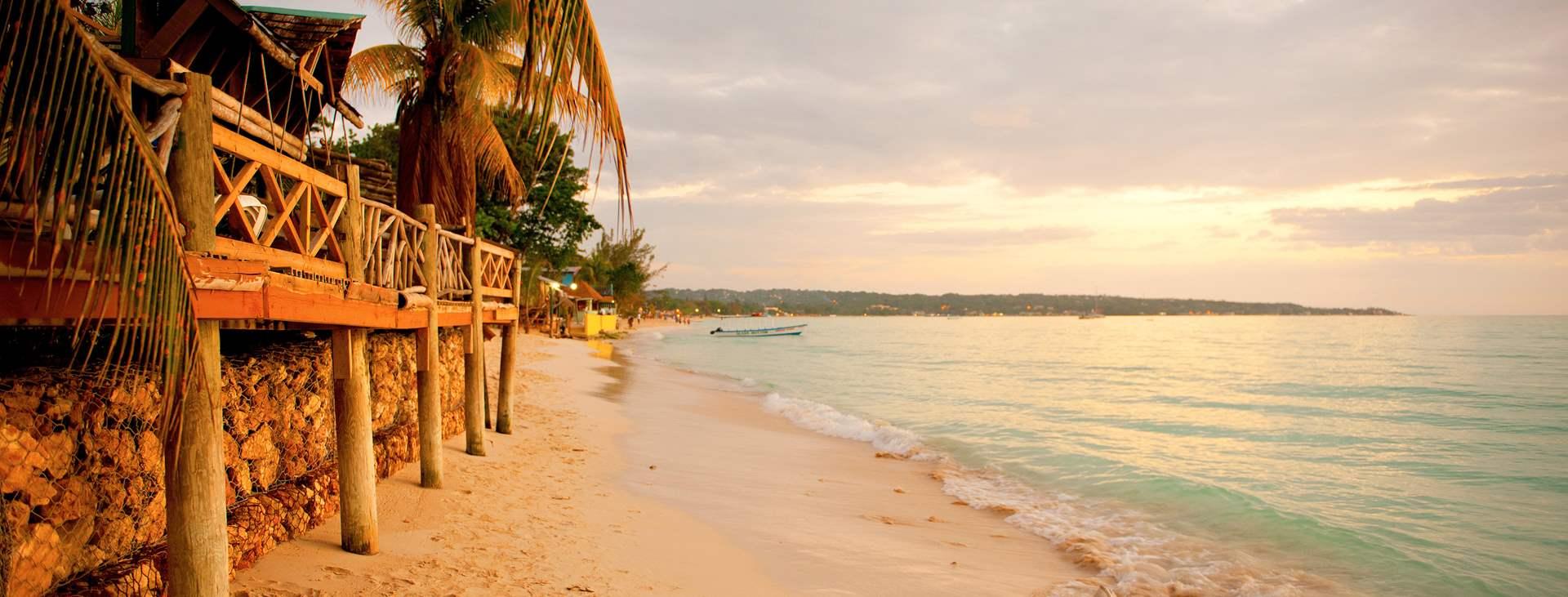 Varaa All Inclusive -hotelli Negrilissä, Jamaikalla, ja nauti helposta lomasta