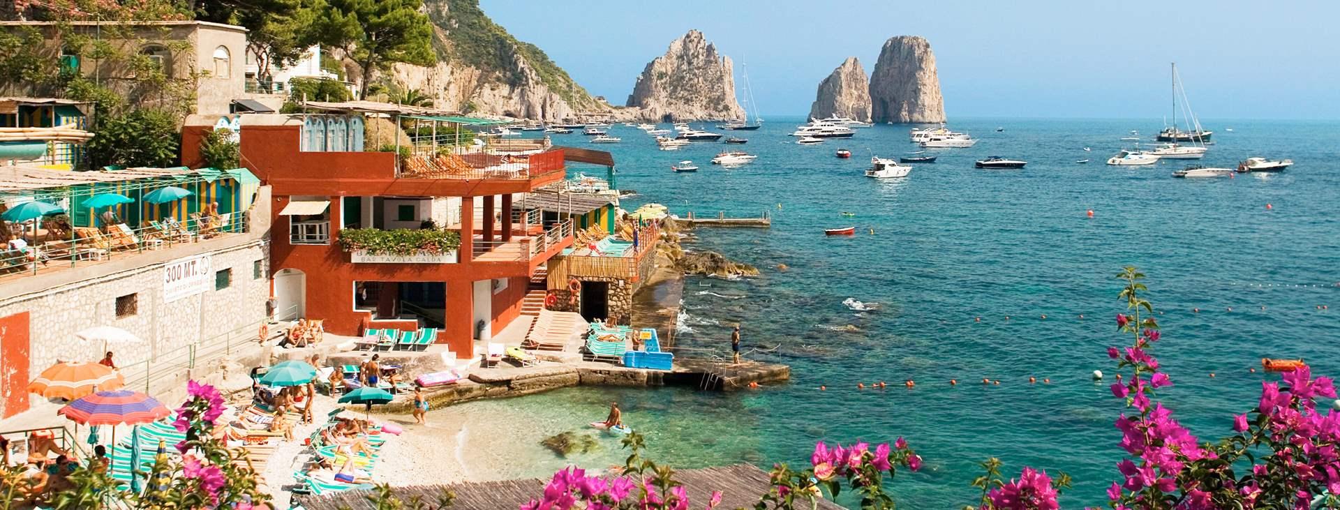 Matkat Italiaan lumoavalle Caprille