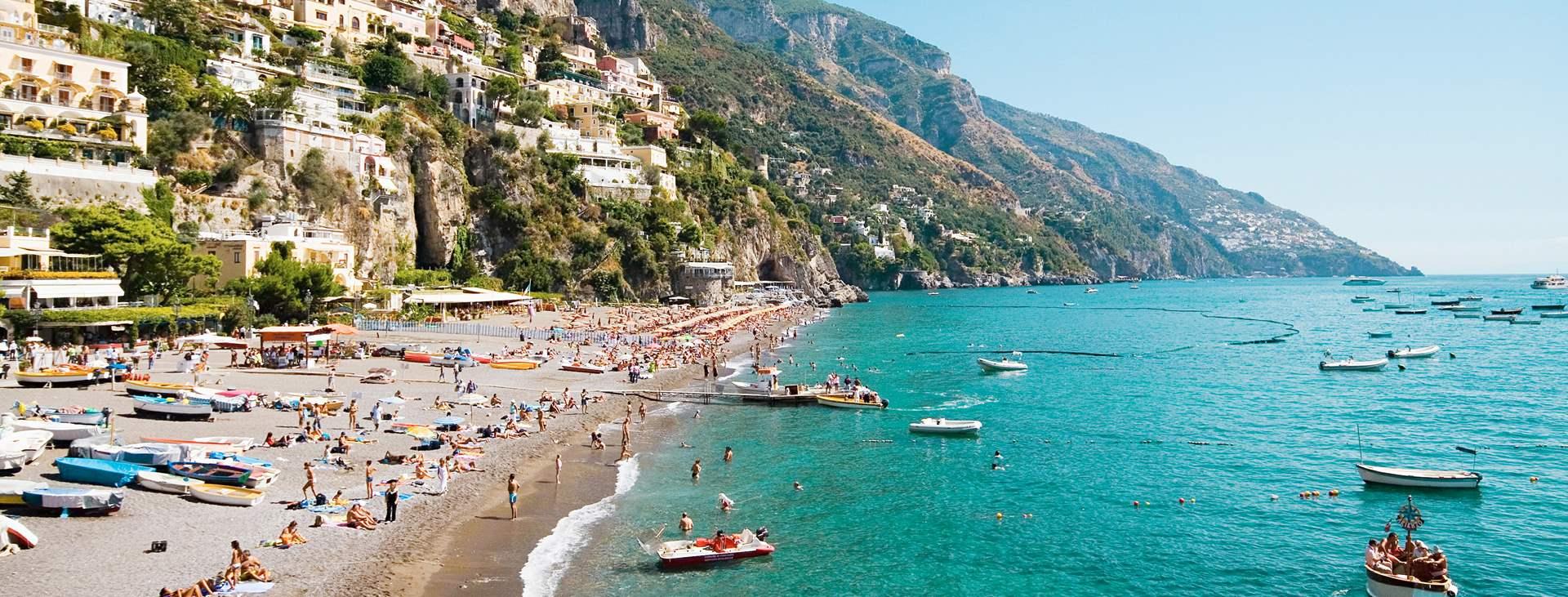 Matkusta Tjäreborgin kautta Positanoon, Amalfin rannikolle, joustavasti reittilennoilla